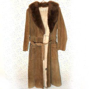 Jackets & Blazers - Vintage 70s suede fur collar long tie coat